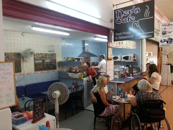 5.nev's cafe